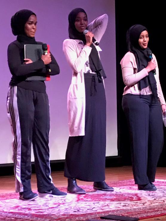 Ayan, Fatima och Nacimo från Hela Blomman fick många publikfrågor om sin kamp mot kvinnlig könsstympning.